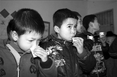 160亿营养改善计划启动 专家吁建监管机制